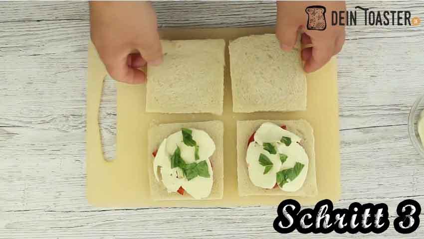 Tomate Mozzarella Toast Schritt 3