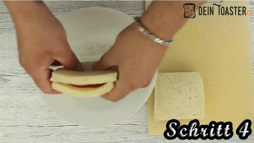Tomate Mozzarella Toast Schritt 4
