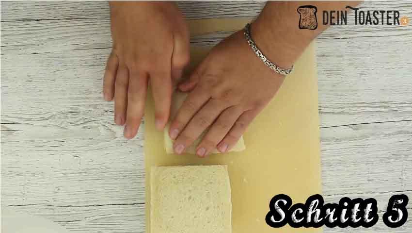Tomate Mozzarella Toast Schritt 5